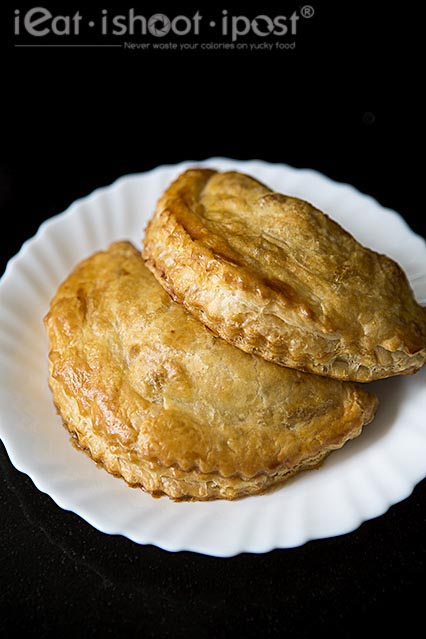 Curry Puffs $2.50