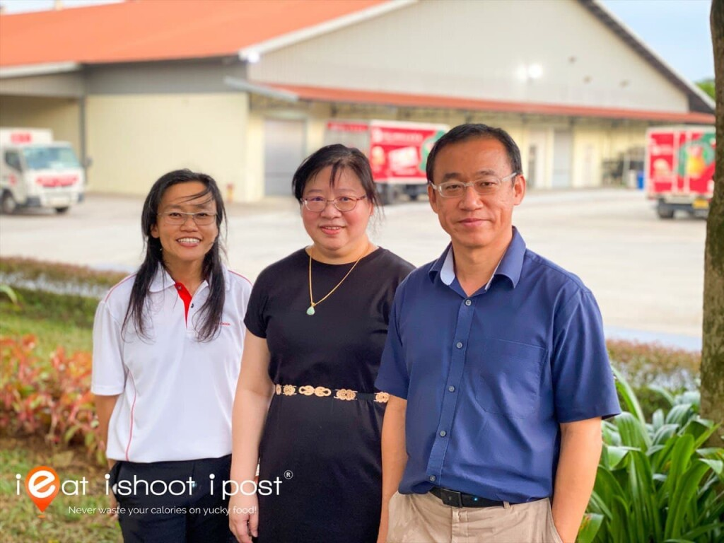 Second Generation Owners of Seng Choon Farm (Left to Right - Ms CP Koh Farm Manager, Ms KM Koh, Mr Koh Yeow Koon (CEO)) Elder sister was unavailable during photo taking.